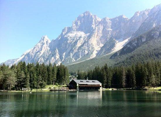 lago-di-mosigo-e-chalet