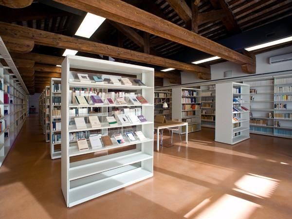 Biblioteca nuova